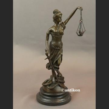 Rzeżba Temida z brązu prezent dla prawnika