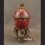 Jajo z lwami a la Faberge porcelanowa szkatuła
