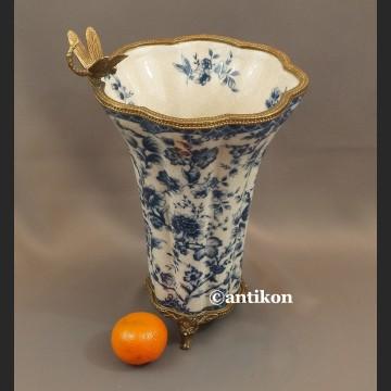 Wazon wzór cebulowy z ważką porcelana z brązem