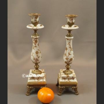 Para świeczników jasna porcelana