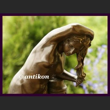 Znakomita rzeźba ogromny brąz długowłosa dzięwczyna akt