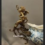 Patera porcelanowa wzór kobaltowy okuta brązem