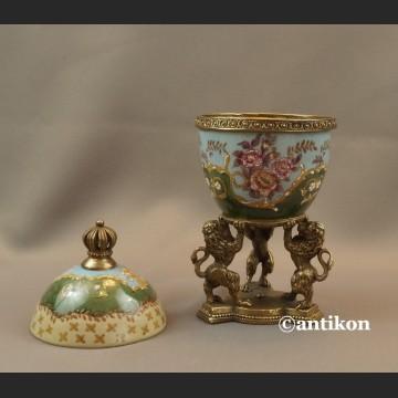 Carskie Jajo z lwami a la Faberge porcelanowa szkatuła