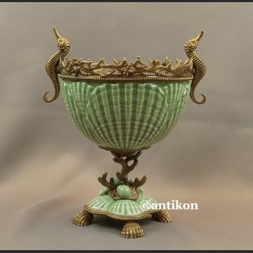 Patera porcelanowa z konikami morskimi