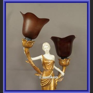Lampa alabastrowa w stylu secesyjnym