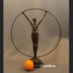 Rzeźba z brązu Art Deco gimnastyczka z kołem duża figurka