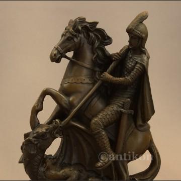 Święty Jerzy walczący ze smokiem figura z brązu