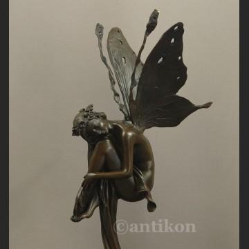 Figurka z brązu  kobieta jak Motyl Dojrzewanie