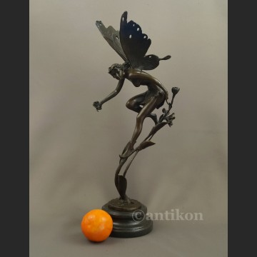 Rzeźba z brązu prześliczny elf pokaźna figura