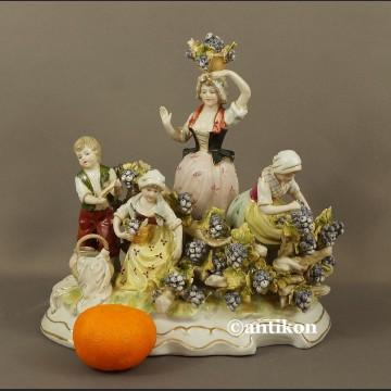 Porcelanowa figurka Winobranie grupa figuralna