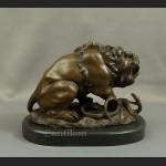 Lew figura z brązu walczący z wężem duża rzeźba