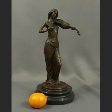 Rzeźba Skrzypaczka figurka z brązu piękna