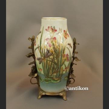 Wazon z nenufarami porcelana z brązem