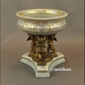 Patera porcelanowa z aniołami w barokowym stylu