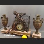 Zegar kominkowy antyk z figurą harfistki Francuz