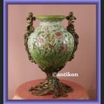 Wazon z aniołkami porcelanowy wiosna