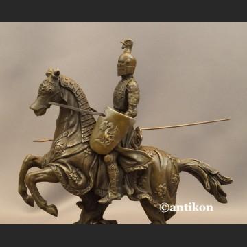 Rycerz w zbroji na koniu kunsztowna rzeźba prawdziwy brąz