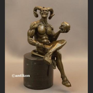 Figurka diabeł z brązu