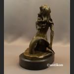 Syrena rzeźba z brązu popiersie kobiety akt
