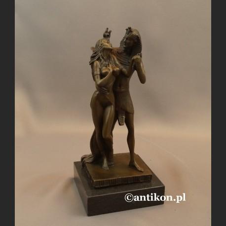 Faraon i Egipcjanka rzeźba z brązu