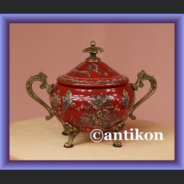 Duża fantazyjna cukiernica czerwona cukierniczka z porcelany