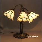 Witrażowa lampa Lilie secesyjna w stylu Tiffany