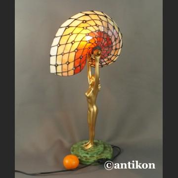 Lampa Nautilus witrażowa secesyjna w stylu Tiffany