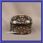 Porcelanowa cukierniczka czarna w kwiaty