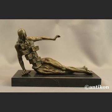 Szafa antropomorficzna Salvador Dali  rzeźba z brązu