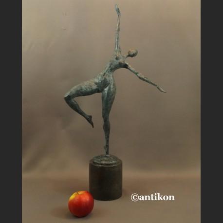 Rzeźba nowoczesna z brązu modernistyczna Tancerka