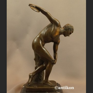 Dyskobol rzeźba z prawdziwego brązu salonowa