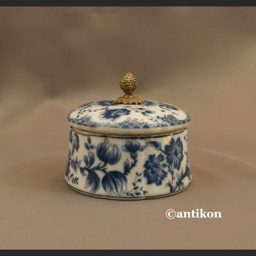 Szkatułka porcelanowa  wzór cebulowy kobaltowy