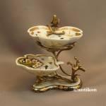 Patera  porcelanowa piętrowa z jaskółkami