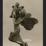 Statuetka z brązu Macierzyństwo  matka z dzieckiem