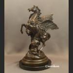 Pegaz i Perseusz prawdziwy brąz wielka sygnowana rzeźba z brązu