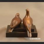 Dwa gołąbki rzeźba z brązu na prezent ślubny
