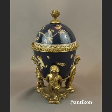 Carskie Jajo z dziećmi a la Faberge porcelanowa szkatuła