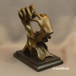 Rzeźba z brązu prezent ślubny Ręce z obrączką