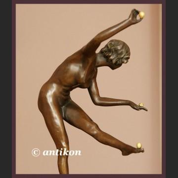 Żonglerka gimnastyczka piękny akt kobiety duży brąz francuska rzeźba