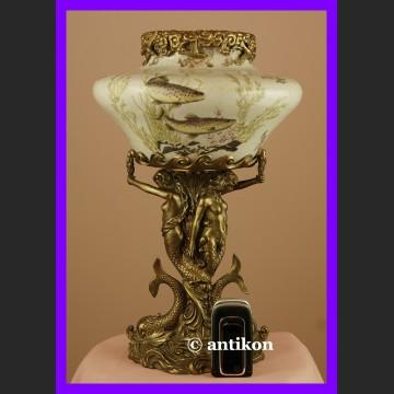 Gigantyczna królewska waza z syrenami i delfinami