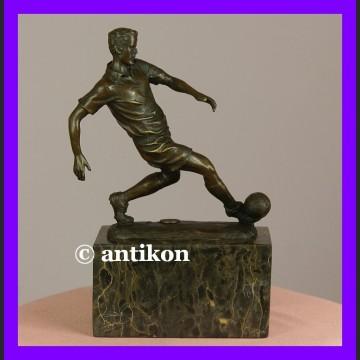 Piłkarz świetna rzeźba prawdziwy brąz
