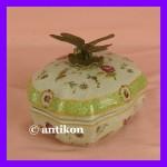 Cudowna szkatułka z ważką porcelana i brąz