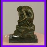 Śpiąca piękność rzeźba dziewczyny syg. brąz