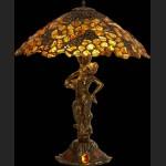 Figuralna lampa z bursztynem