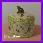 Prześliczna porcelanowa szkatułka z żabą