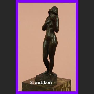 Ewa z jabłkiem wspaniała sygnowana rzeźba akt z brązu