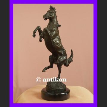 Cudny koń wspaniała rzeźba rumaka brąz Francja
