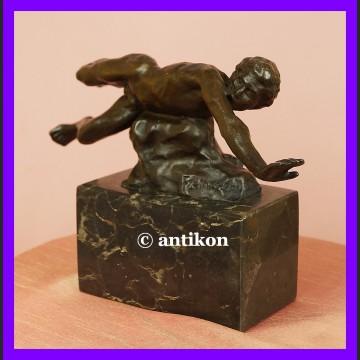 Figurka z brązu Pływający mężczyzna świetna rzeźba sygnowany brąz