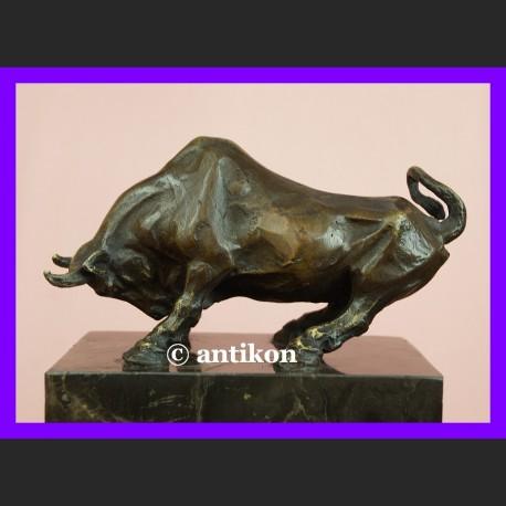 Byk rzeźba giełdowa hossa sygnowana brąz