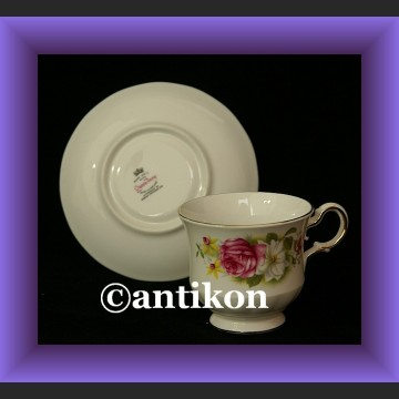 Śliczna filiżanka i spodek w kwiaty angielska porcelana